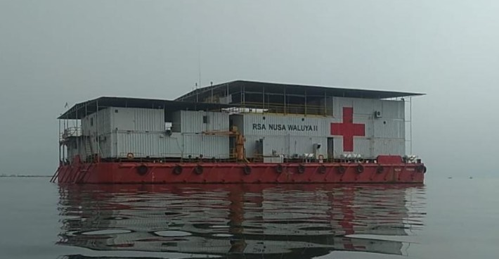 Handover of a C-MEM Zero donation to hospital ship RSA3 in Jakarta